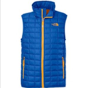 North Face Boys xl blue puffer vest